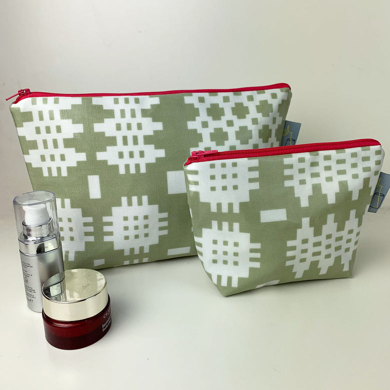 Welsh oilcloth wash bag, green