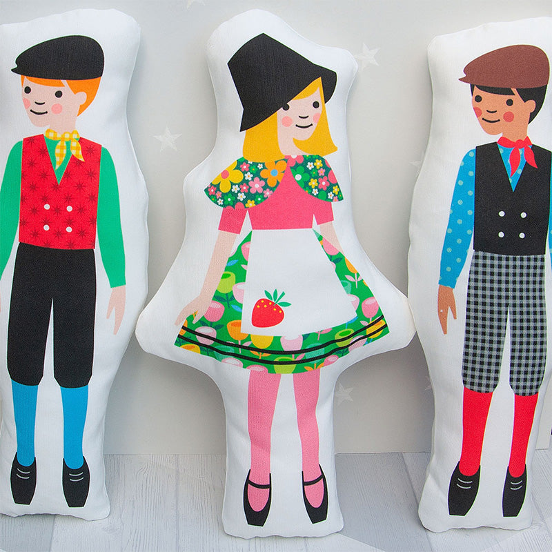 Cut and sew your own doll - Betsan