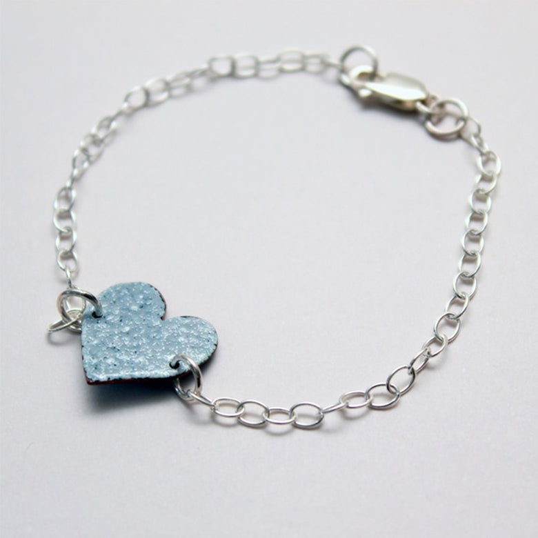 Enamel heart bracelet - dove grey