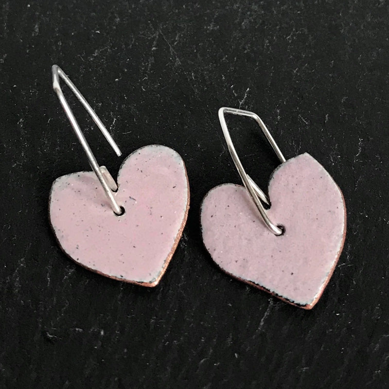 Enamel heart earrings - baby pink