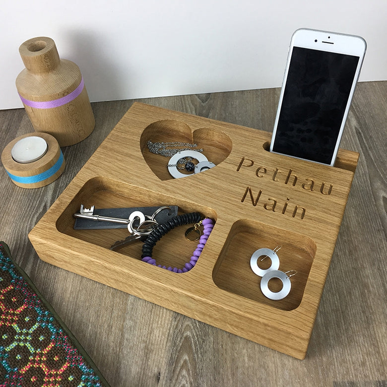 Pethau Nain oak phone stand and trinket dish