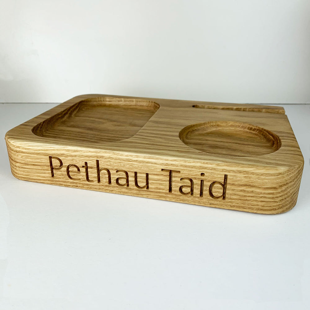 Pethau Taid oak phone stand and trinket dish