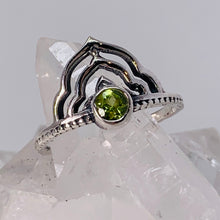 Load image into Gallery viewer, Ring - Peridot Size 7