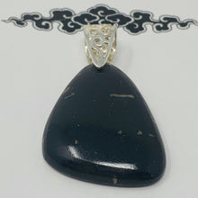 Load image into Gallery viewer, Pendant - Nuummite