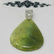 Load image into Gallery viewer, Pendant - Serpentine