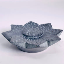Load image into Gallery viewer, Water Lily Incense Holder