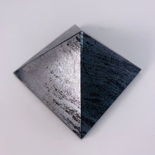 Load image into Gallery viewer, Hematite Pyramid