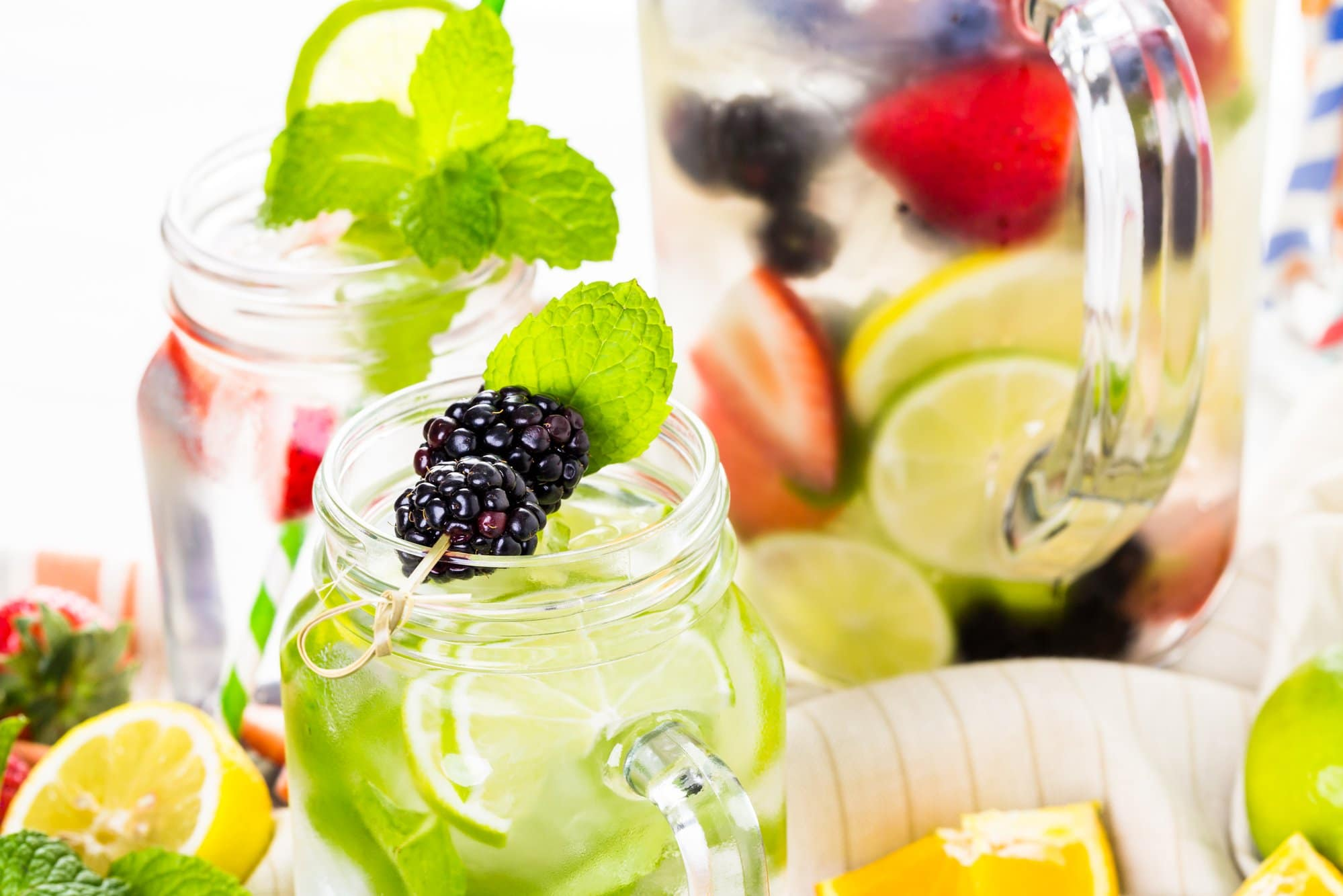 "Refreshing drinks for ""Après Gardening"" - using herbs from your garden"
