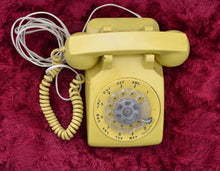Load image into Gallery viewer, Vintage Rotary Telephone