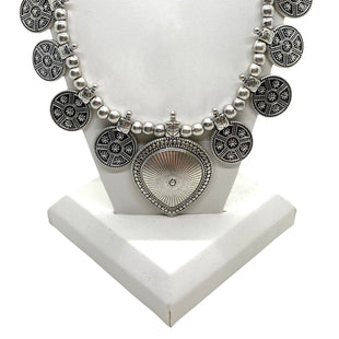 Primary Photo - BRAND: LUCKY BRAND STYLE: NECKLACE COLOR: SILVER OTHER INFO: CIRCLE CHARMS SKU: 293-29312-33619
