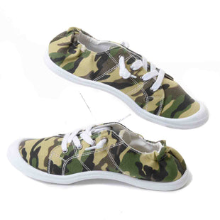 Primary Photo - BRAND:    CLOTHES MENTOR STYLE: SHOES FLATS COLOR: CAMOFLAUGE SIZE: 7 OTHER INFO: MATA SKU: 293-29311-29523