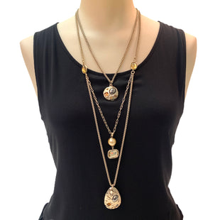Primary Photo - BRAND: CHICOS STYLE: NECKLACE COLOR: BEIGE SKU: 293-29347-431
