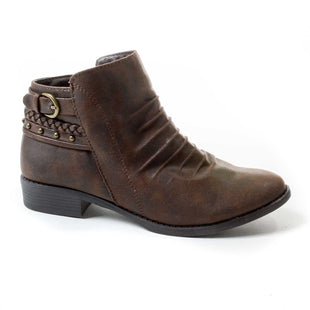 Primary Photo - BRAND: BARE TRAPS STYLE: BOOTS ANKLE COLOR: BROWN SIZE: 5 SKU: 293-29312-26023