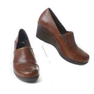 Primary Photo - BRAND: DANSKO STYLE: SHOES LOW HEEL COLOR: BROWN SIZE: 9.5 SKU: 293-29312-24988