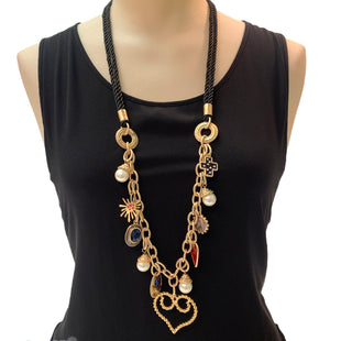 Primary Photo - BRAND: CHICOS STYLE: NECKLACE COLOR: GOLD OTHER INFO: HEARTS/PEARLS SKU: 293-29347-440