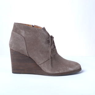 Primary Photo - BRAND: LUCKY BRAND STYLE: BOOTS ANKLE COLOR: TAUPE SIZE: 7 SKU: 293-29312-29901