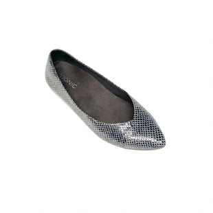 Primary Photo - BRAND: VIONIC STYLE: SHOES FLATS COLOR: SILVER SIZE: 7.5 SKU: 293-29312-33790