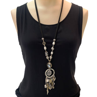 Primary Photo - BRAND: CHICOS STYLE: NECKLACE COLOR: SILVER SKU: 293-29347-447