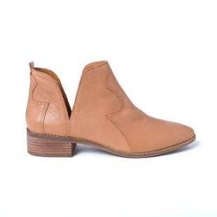 Primary Photo - BRAND: LUCKY BRAND STYLE: BOOTS ANKLE COLOR: BROWN SIZE: 11 SKU: 293-29344-3524