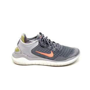 Primary Photo - BRAND: NIKE STYLE: SHOES ATHLETIC COLOR: GREY SIZE: 8.5 SKU: 293-29311-35557