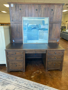 COVENTRY EXECUTIVE DESK VBTN-020
