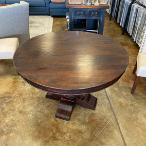 "Colonial Plantation 48"" Round Dining Table"