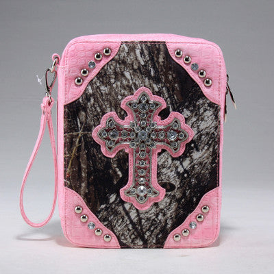 Mossy Oak Camouflage print bible cover w/croco trim and studded cross emblem