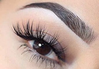 CLASSIC NATURAL LASHES (Full Set) - Beauty Bar Therapy