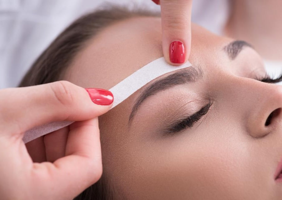 Face (includes lip/chin, Brow sculpt & Brow tint) - Beauty Bar Therapy