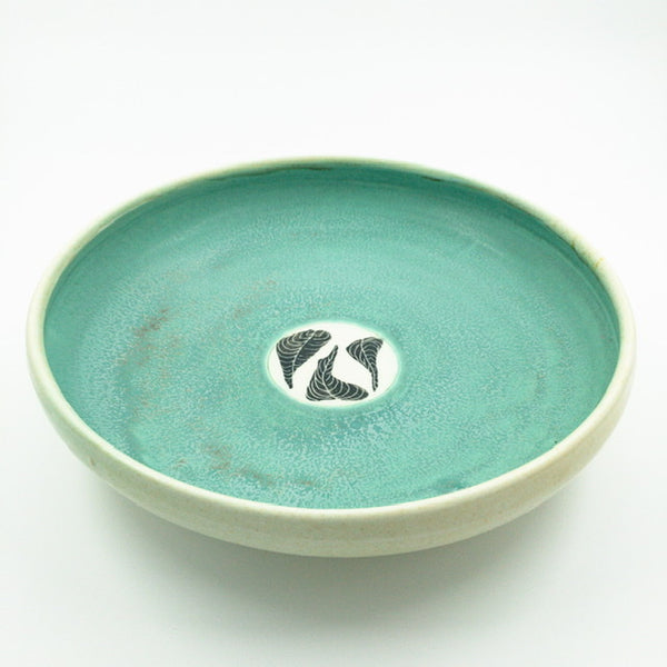 Shallow serving dish with Leaf Patterned Circles