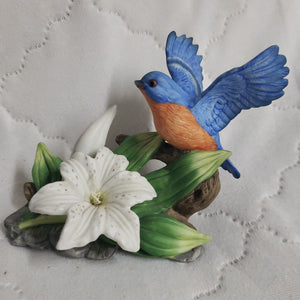 Seymour-Mann-Connoisseur-Collection-Bluebird-and-Lily-Porcelain-Bird-By-Bernini