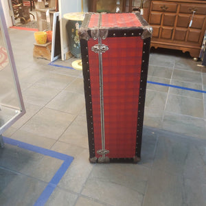 Vintage red plaid trunk 31x16x12