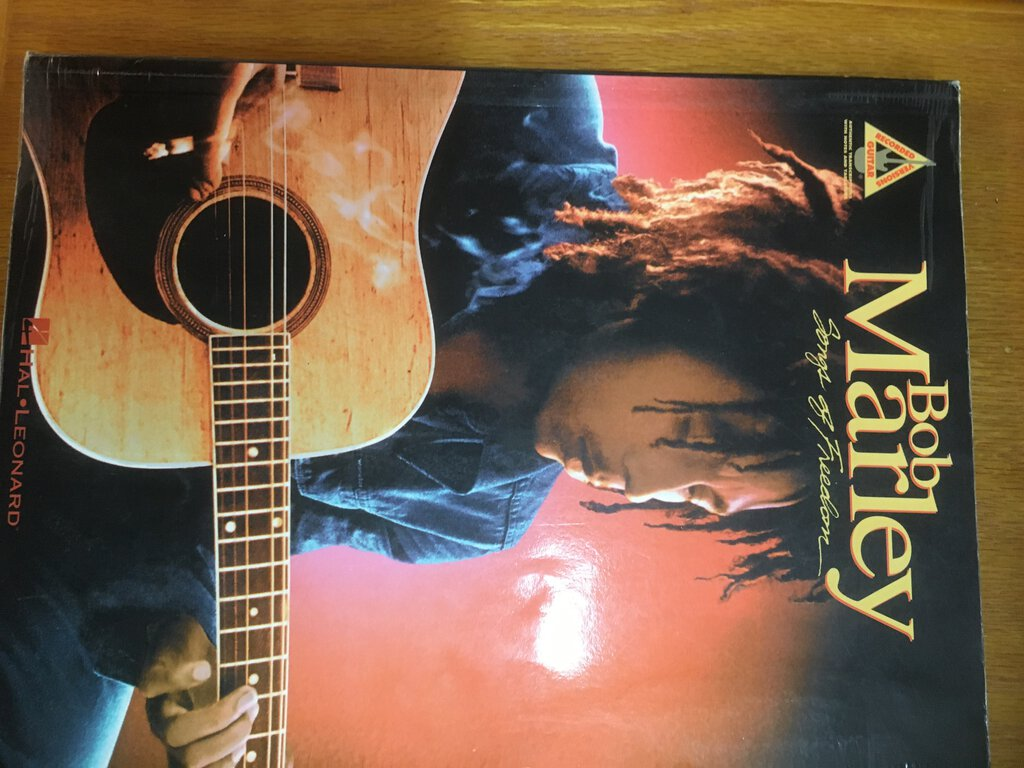 Bob Marley – Songs of Freedom Song Book
