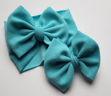 Load image into Gallery viewer, Solid Aqua Shylyn Bow