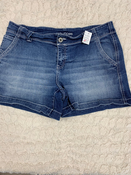 Ladies Maurices Shorts Size 13/14
