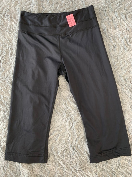 Ladies Lululemon Capris Size 8