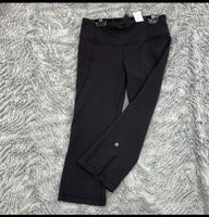 Ladies Lululemon Capri Size 6