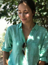 Load image into Gallery viewer, HUT Oversized Linen Shirt - Kiwi Green