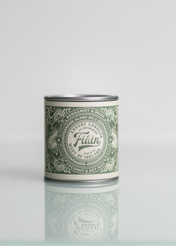 Large Fiain Candle - Bergamot & Musk (40 hour burn)