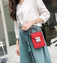 Load image into Gallery viewer, Retro Glossy PVC Cross-Body Bag