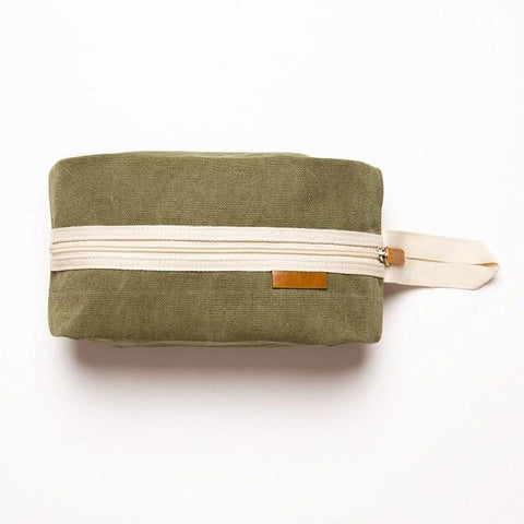 Stay Clean Toiletry Bag in Green