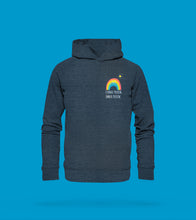 Laden Sie das Bild in den Galerie-Viewer, Hoodie Unisex in Blau Prerow mit Regenbogen Motiv