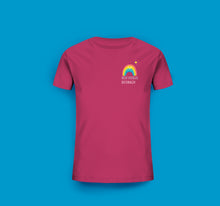Laden Sie das Bild in den Galerie-Viewer, Kinder T-Shirt in Raspberry Pink Boltenhagen Regenbogen Motiv