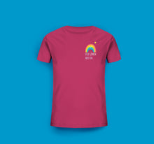 Laden Sie das Bild in den Galerie-Viewer, Kinder T-Shirt in Raspberry Pink Göhren Regenbogen Motiv