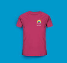 Laden Sie das Bild in den Galerie-Viewer, Kinder T-Shirt in Raspberry Pink Prerow Regenbogen Motiv