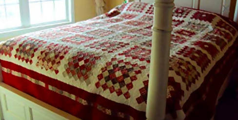 Bestseller! Traditional Queen Quilt--Handmade Christmas Gift