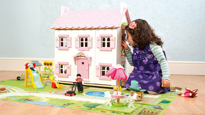 How Dolls Houses Foster Creative and Therapeutic Play