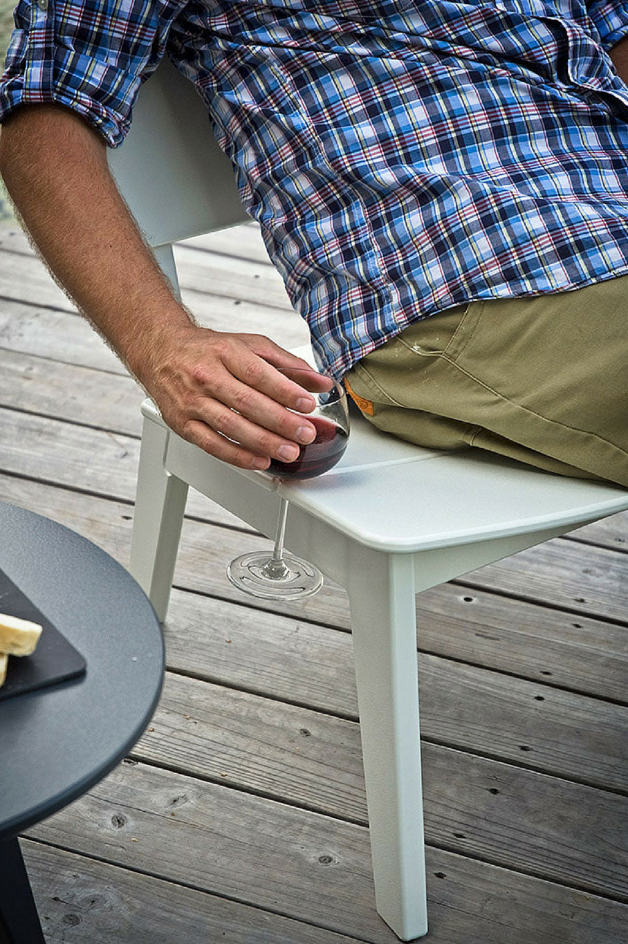 Lago Patio chair with wine holder