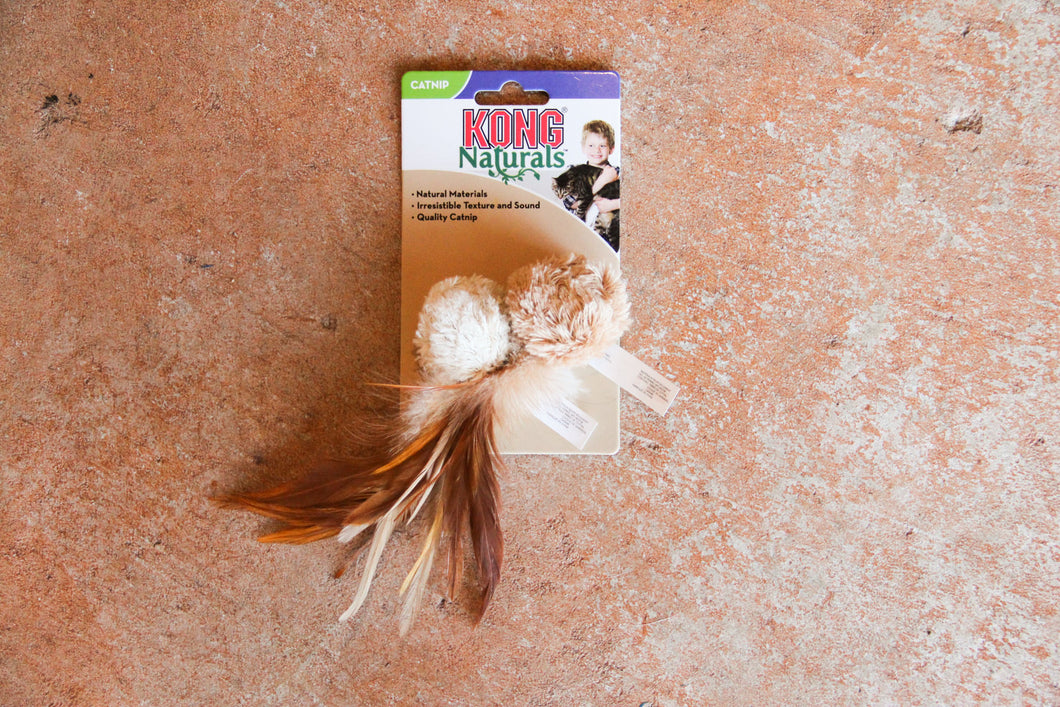 KONG CAT NATURALS CRINKLE BALL WITH FEATHERS
