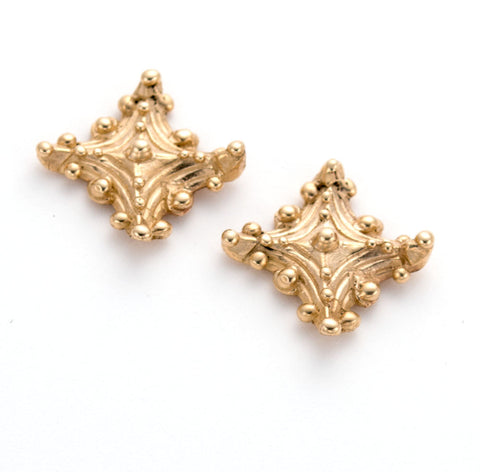 Classic 14 karat gold stud earrings, handmade, artist annabiggs, Wilmington Delaware